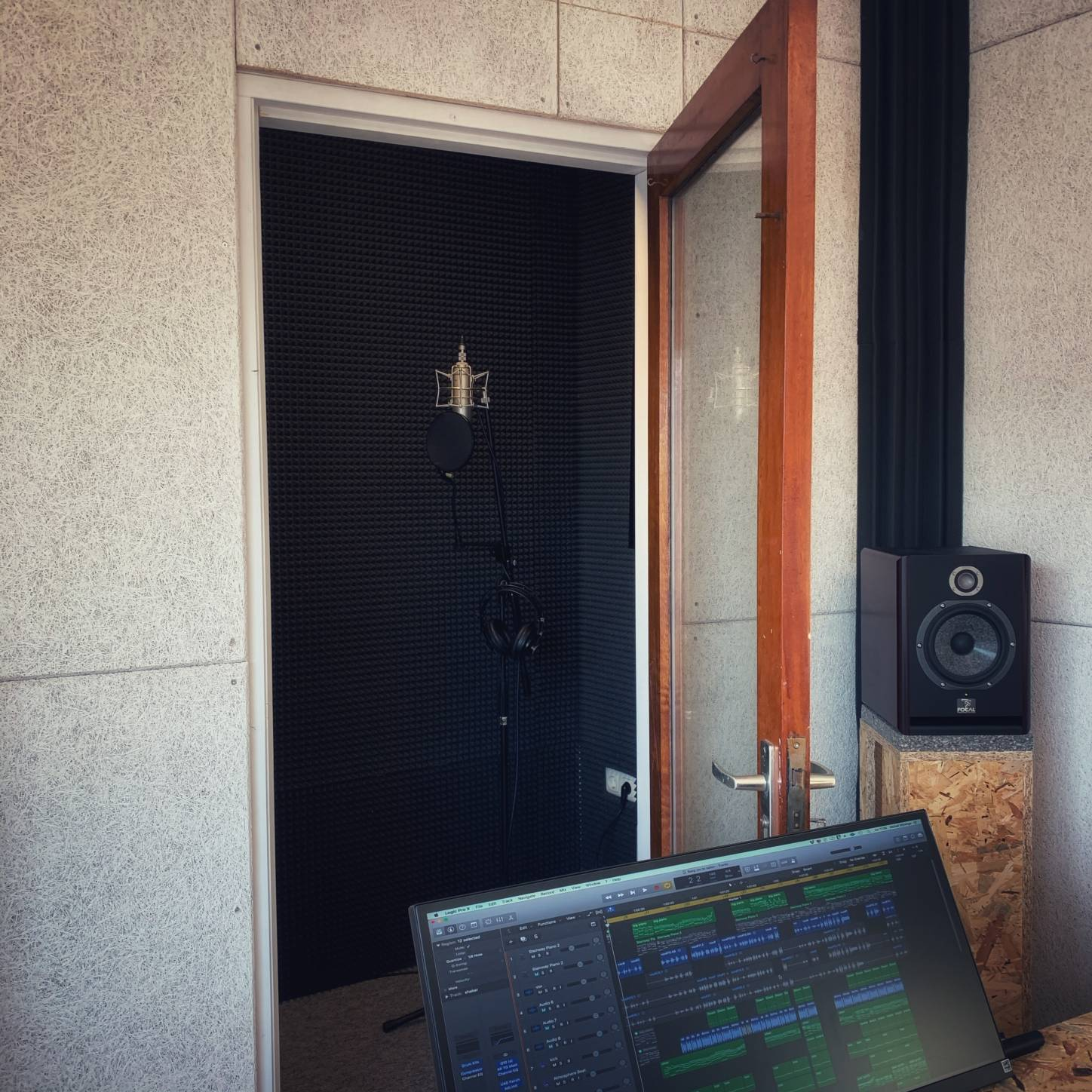vocalbooth